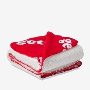 🆕Victoria's Secret Pink Sherpa Blanket